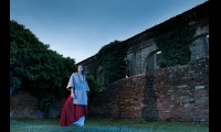 Stile Monastery> http://www.pieragabrieli.it/eshop/it/abbigliamentodonna/mantella-mod-roberta-detail.html