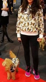 In abbinamento woman/dog